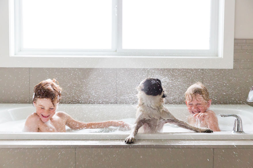 photographers-from-all-over-the-world-capture-amazing-photos-of-children-and-animals-30__880