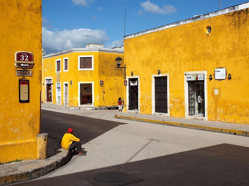 yucatan-yellow_95152_990x742